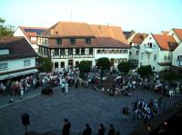 Bürger auf dem Schlossplatz