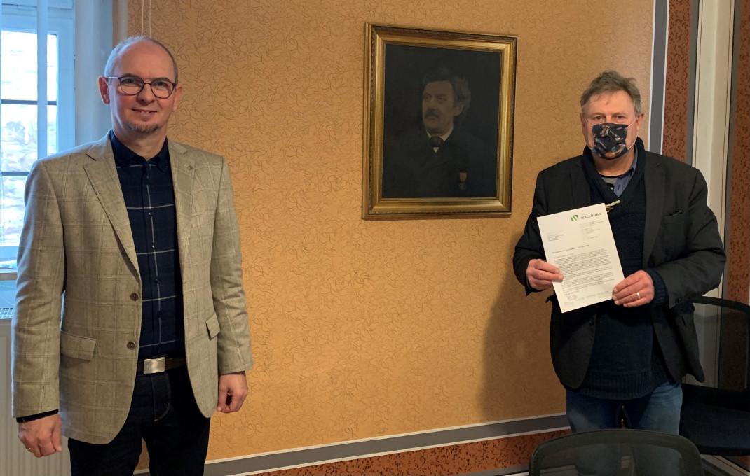 Bürgermeister Markus Günther und Wilhelm Nusime von Stadtplan.de